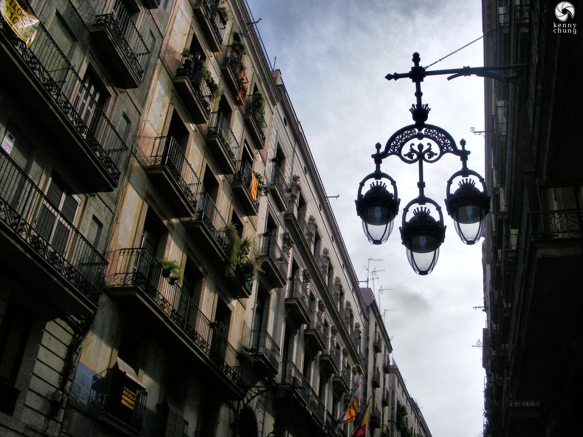 Street lamps in Barri Gòtic