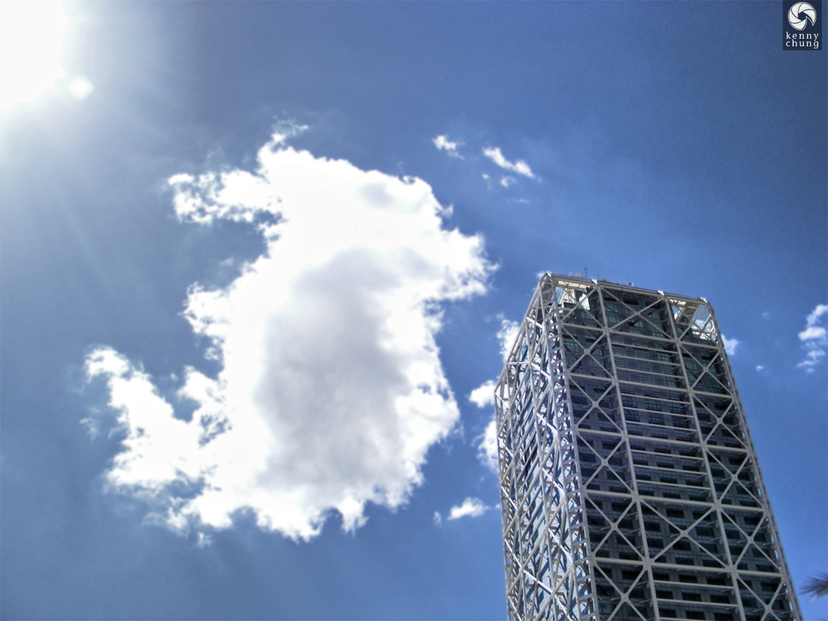 Building and cloud in La Barceloneta
