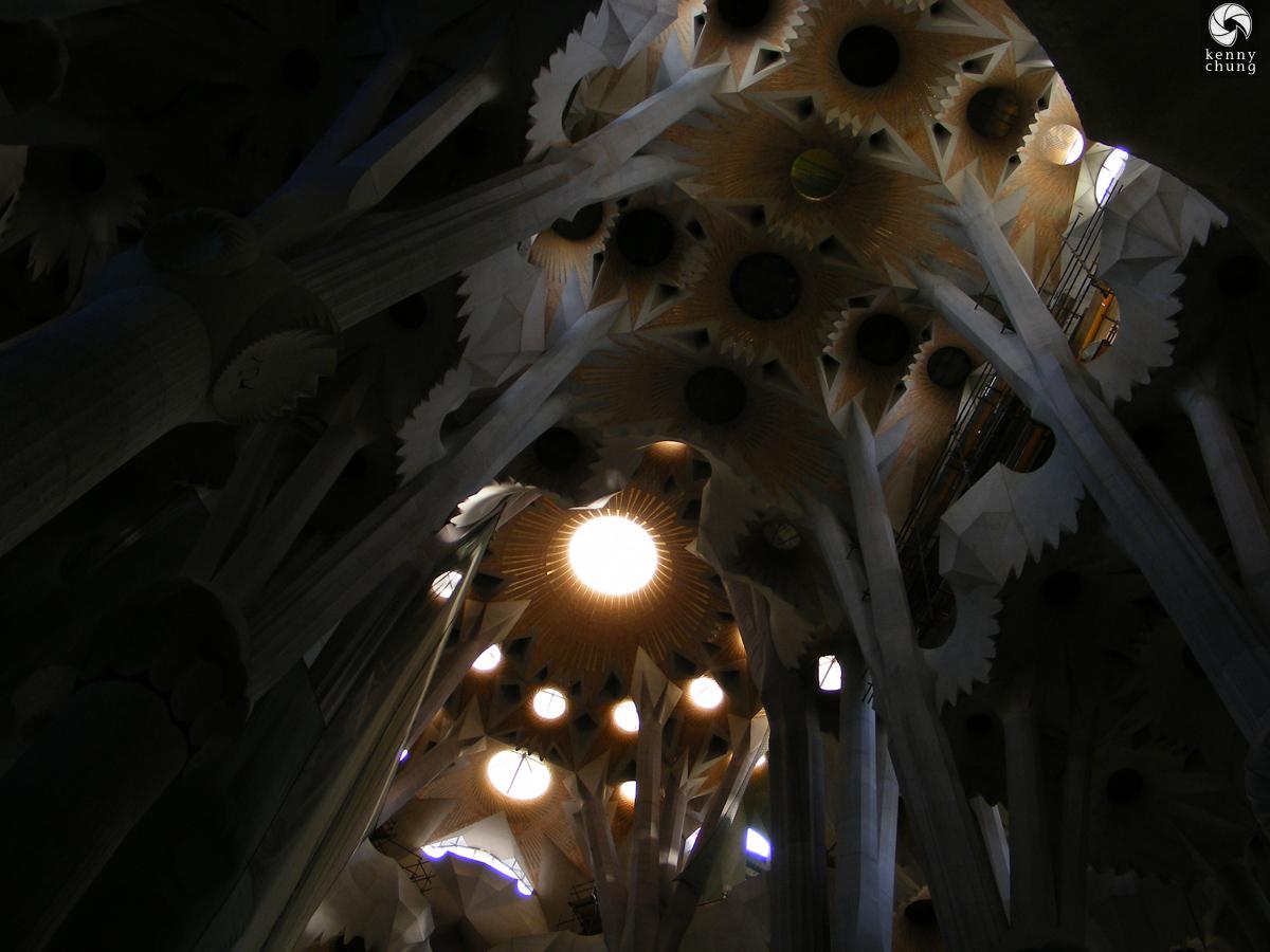 Sagrada Família interior pillars
