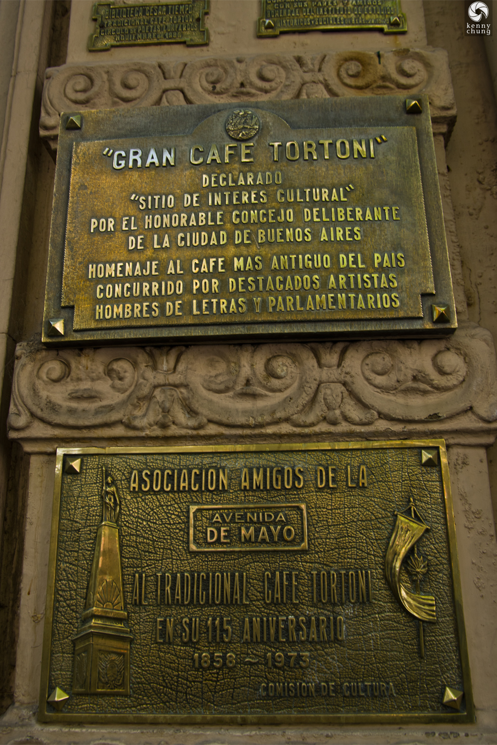 Exterior plaque for Gran Cafe Tortoni in Buenos Aires