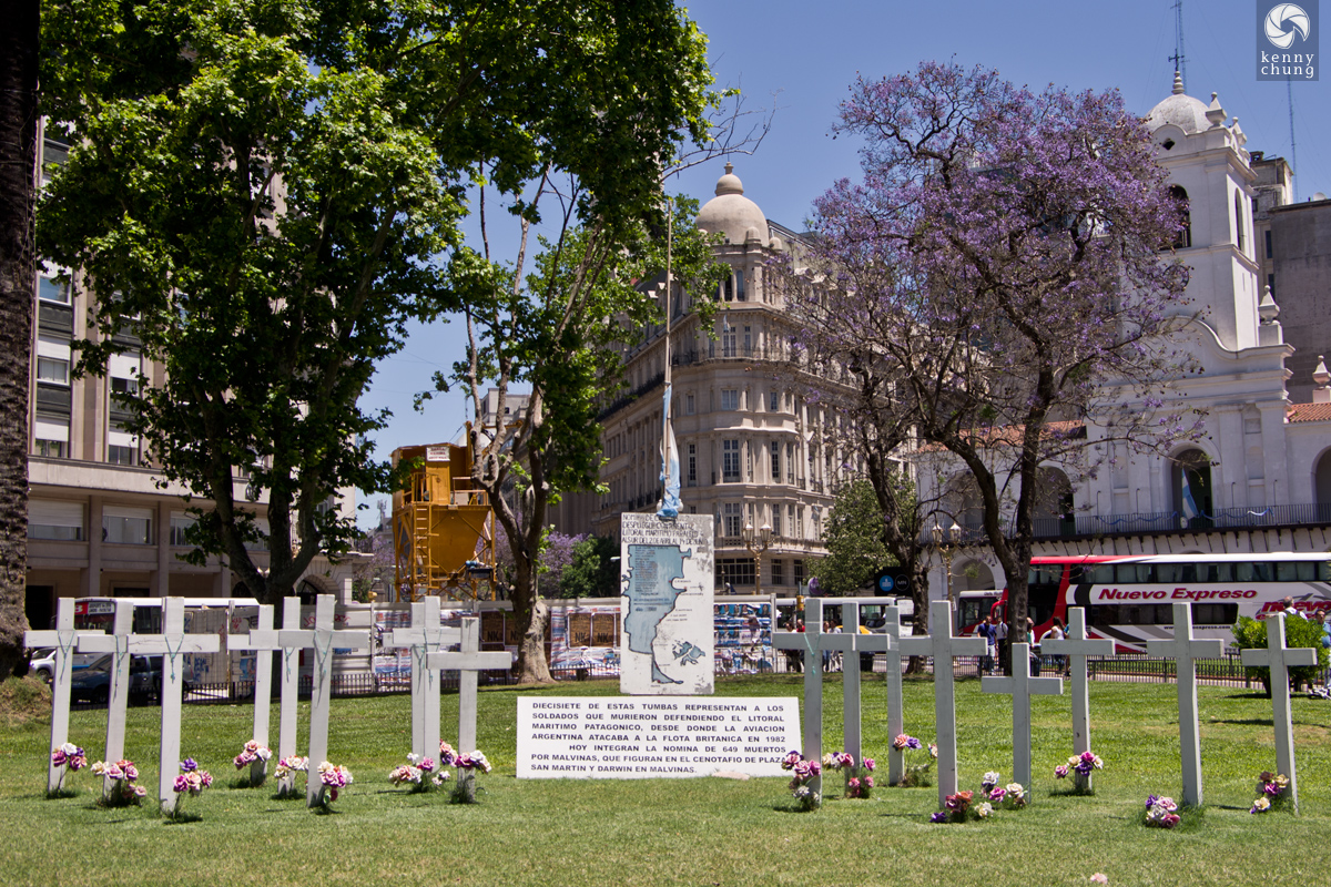 Soldiers Memorial in Plaza de Mayo