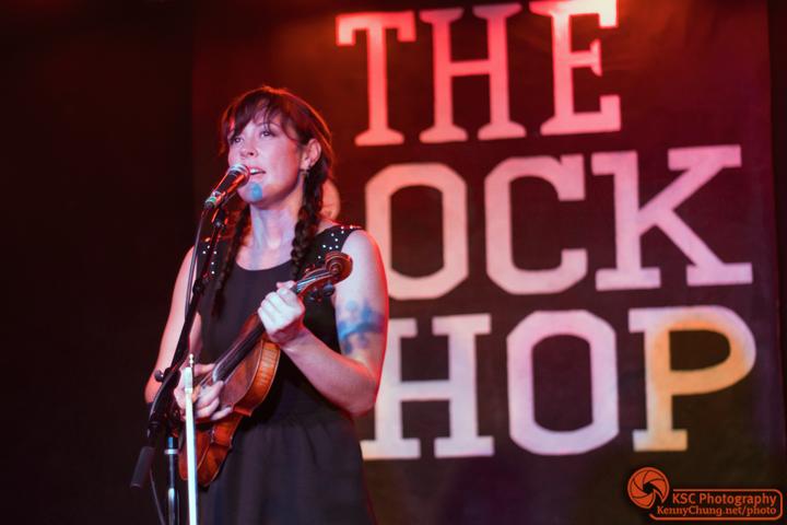 Amanda Shires singing at The Rock Shop, Brooklyn
