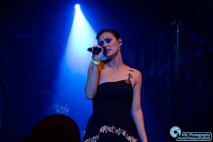 Dia Frampton singing at Highline Ballroom