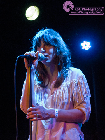 Eleanor Friedberger singing at The Bell House
