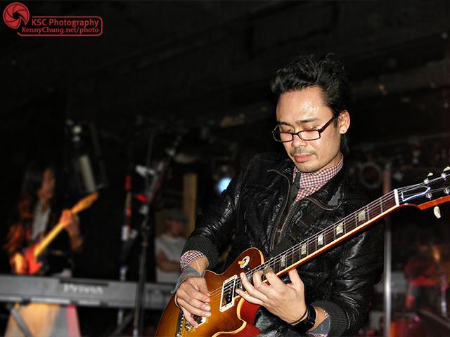 Meg & Dia guitarist Carlo Gimenez