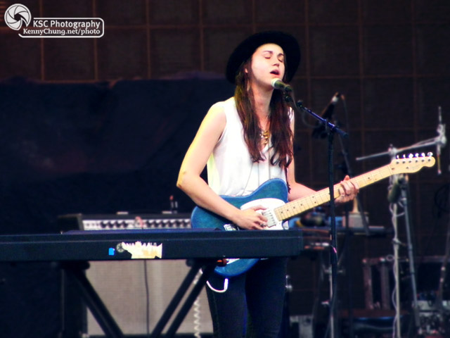 Holly Miranda singing with her Telecaster