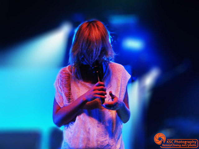 Emily Haines singing Front Row