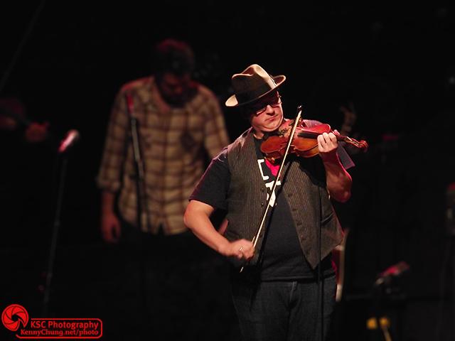 Cadillac Sky violinist Ross Holmes