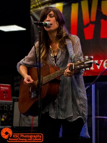 Nicole Atkins Martin acoustic Monterey Honey
