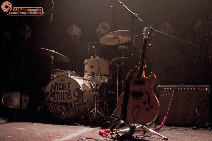 Nicole Atkins drums and Guild Starfire guitar