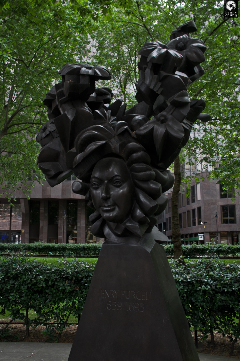 Henry Purcell statue in London