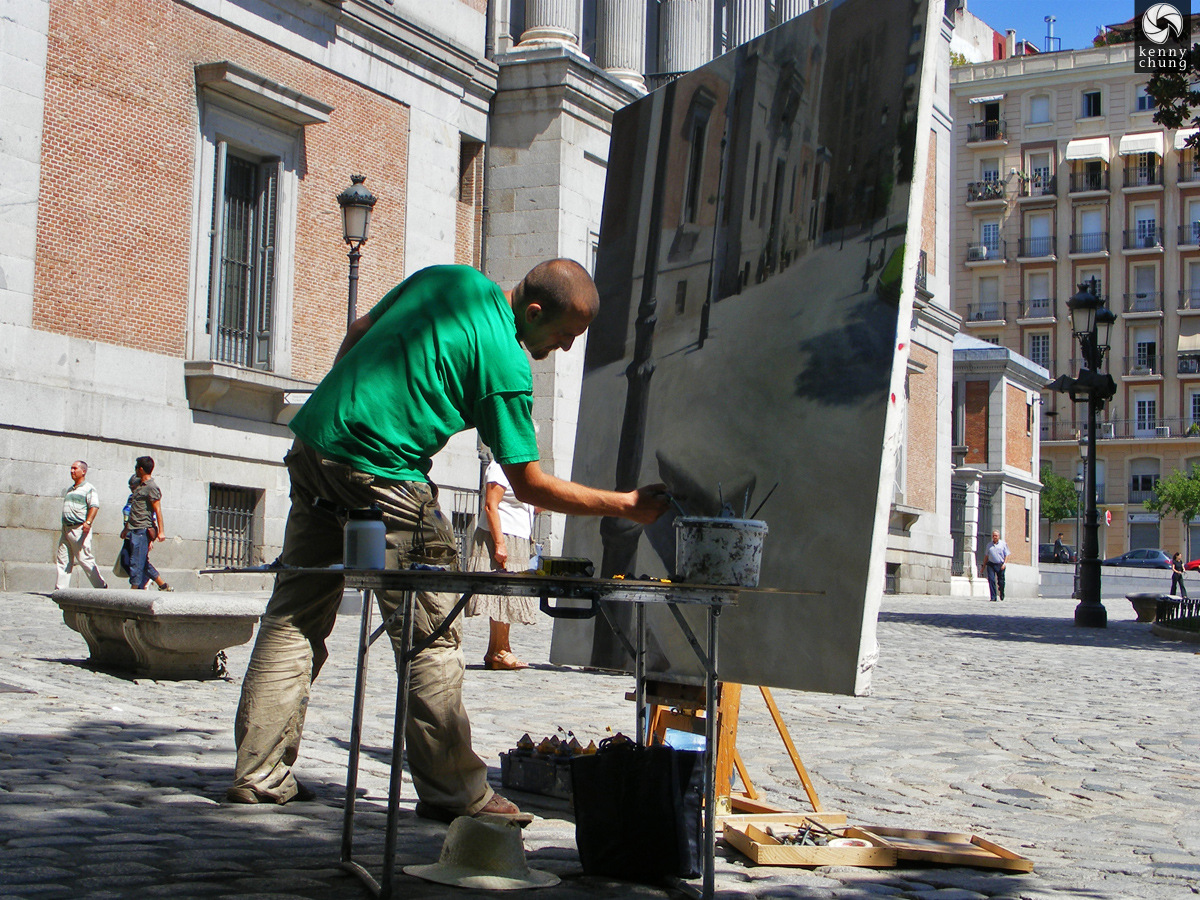 Street painter outside Museo Prado