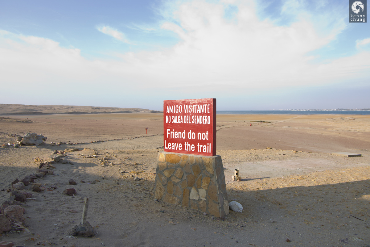 A sign warning us not to leave the trail in Paracas