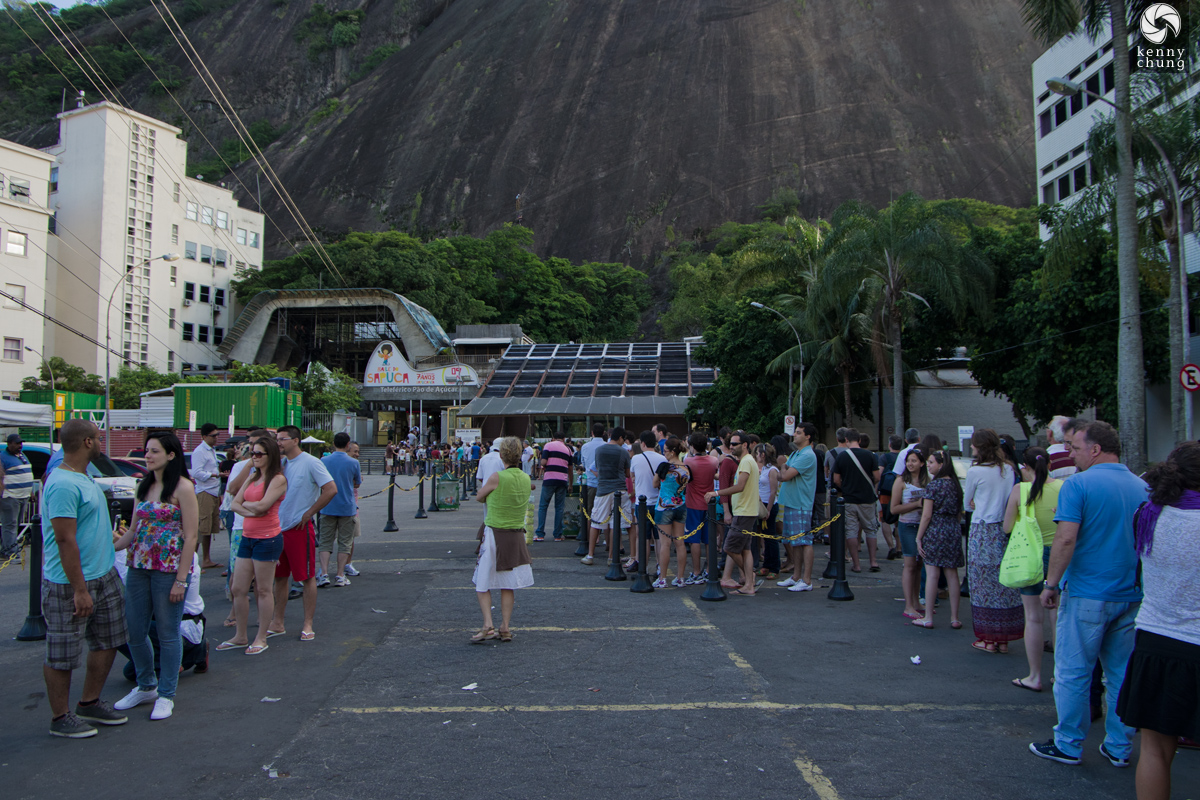 The long line at Sugarloaf Mountain.